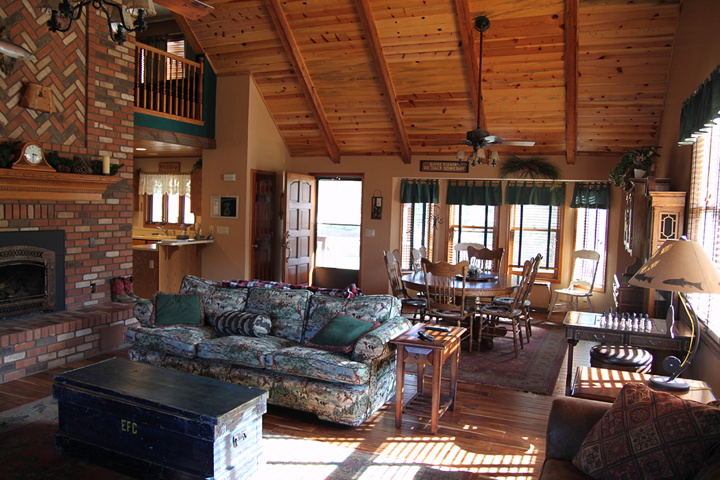 Fishing Lodge Cabin In Greer